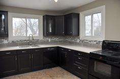 Beautiful Kitchens do more than just look good. They motivate you to cook! Or at least we can hope... http://www.walshandvolk.com/317-west-2nd-street-hamilton/