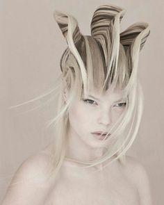Finalist - Avant Garde hairdresser of the Year 2010 - Skyler.- Finalist – Avant Garde hairdresser of the Year 2010 – Skyler McDonald Finalist – Avant Garde hairdresser of the Year 2010 – Skyler McDonald - Creative Hairstyles, Unique Hairstyles, Straight Hairstyles, Girl Hairstyles, Avant Garde Hair, Fantasy Hair, Hair Shows, Crazy Hair, Dark Beauty