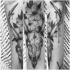 Forearm deer skull