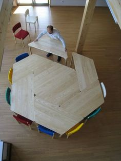 Clever table design for classroom Modular Table, Modular Furniture, Table Furniture, Kids Furniture, Furniture Design, Kindergarten Design, Interior Architecture, Interior Design, School Furniture