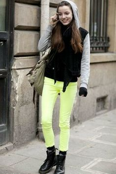 Pastel Jeans with black top and black ankle boots