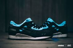 "solebox x ASICS Gel-Lyte lll ""Carpenter Bee"""