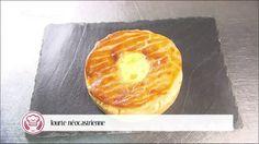 Tourte néocastrienne (Collier de veau, chablis, eau de vie de mirabelle, oignons, échalotes, ail, crème, comté, œufs)