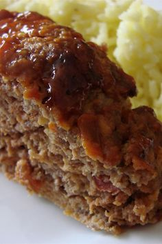 Firefighters all across Canada can& get enough of this Dijon mustard and salsa meatloaf. Serve with baked beans and greens. Leftover sandwiches are great the next day. Meatloaf Recipes, Meat Recipes, Cooking Recipes, Amish Recipes, Canadian Recipes, Hamburger Recipes, Budget Recipes, Recipes Dinner, Cooking Ideas