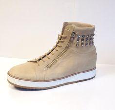 Met metalen studs:  Ook dat is mogelijk met orthopedische schoenen!