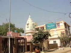 #magiaswiat #vrindavan #matura #podróż #zwiedzanie #indie #blog #świątynie #krishna #gopi #aszram #ogrody #jamuna #mandir #kund #ghaty #govinddev# vaishnodevi #pałac #giridharigoudiya #namyogasadhana Mandir, Krishna, San Francisco Skyline, Street View, Blog, Travel, Viajes, Blogging, Destinations