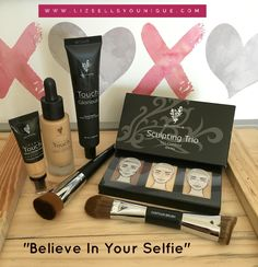 "This collection is called ""Believe in your Selfie"" It consists of our famous Flawless 4 plus the Sculpting Trio and Contour Brush! This includes:  Glorious Face Primer Liquid Foundation  Liquid Foundation Brush Skin Perfecting Concealer  Sculpting Trio Contour Brush FREE Makeup Bag (Choice of 2 styles)"