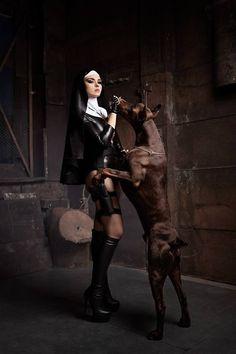 Hitman - the Saints cosplay latex nun w Dobermann Dark Beauty, Gothic Beauty, Hot Nun, Religion, Ange Demon, By Any Means Necessary, Foto Art, Halloween Disfraces, Girl And Dog