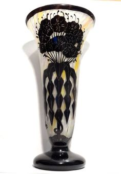 Tulips In Vase, Art Deco Glass, Japanese Words, French Art, Pottery Art, Art Nouveau, Floral, Artwork, Vintage