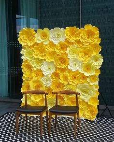 This listing is for a 6ft(W)x7ft(H) fully handcrafted Giant Paper Flowers backdrop. Flowers are available in colours of your choice. Image listed was made of 3 tones of yellows flowers. This gorgeous & elegant paper flowers backdrop will be perfect for any celebrations, from weddings to Birthday Parties, Baby Showers, Corporate Celebrations and Home Decor. It will be a stunning centerpiece to impress your guests! The flowers are made of card stock papers. Flowers will vary in sizes. *Price…