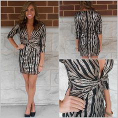 Now available at our Bloomington-Normal location. $66 #shopsatwestend #apricotlaneboutique