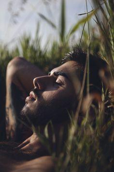 The Lost Boy /Male Photography/ Foto Portrait, Portrait Photography Poses, Man Photography, Men Portrait, Male Portraits, Poses Pour Photoshoot, Men Photoshoot, Male Models Poses, Male Poses