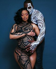 Two expecting parents decided to MEMORIALIZE their pregnancy – by taking maternity photos that were in line with the new Black Panther film. The pics Maternity Pictures, Pregnancy Photos, Pregnancy Goals, Pregnancy Outfits, Black Love, Black Is Beautiful, Black Art, Black Couples, Cute Couples
