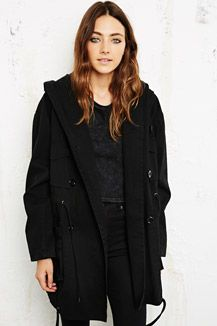 Exaggerated hood parker from @Urban Outfitters - £98 #RunwayRepublic