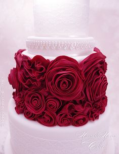 http://mycakedesign.deagostinipassion.it/speciali/passo-a-passo-red-passion-cake/