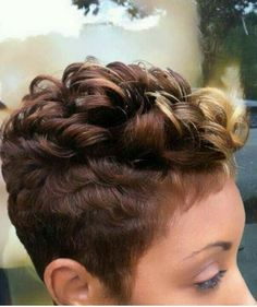 Dark-Short-Pixie-for-Black-Women - Peinados y pelo 2017 para hombre y mujeres Short Sassy Hair, Short Hair Cuts, Short Hair Styles, Pixie Cuts, Short Pixie, Straight Hair, My Hairstyle, Cool Hairstyles, Curly Mohawk Hairstyles
