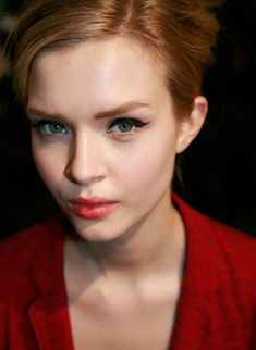 21 Ways to Wear Cat-Eye Makeup, Straight From Fall 2012 Fashion Week: Beauty: glamour.com