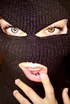 girl with ski mask Girl Gang Aesthetic, Boujee Aesthetic, Badass Aesthetic, Aesthetic Grunge, Aesthetic Pictures, Fille Gangsta, Thug Girl, Bad Girl Wallpaper, Photographie Portrait Inspiration