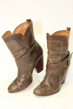 06d0eb31340f Frye Womens 7 M Andrea Mid Leather Heels Pull On Ankle Boots 77326 thd   fashion
