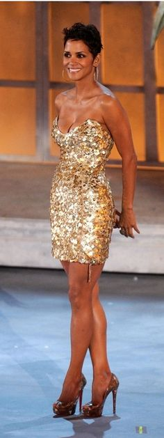 Halle Berry, love the outfit