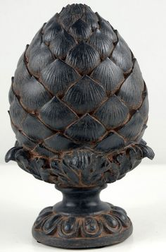 Artichoke Finial - Villa table