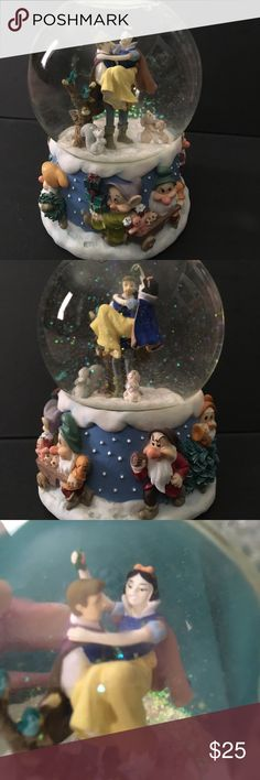 """Disney Snow White Musical Snowglobe Plays """"We wish you a Merry Christmas"""" and has been in storage for many years. Disney Other"""