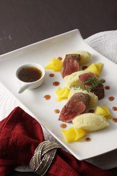 En manque d'idée pour vos fêtes de fin d'année? Le gibier, ça marche toujours! Ingrédients pour 4 personnes: 4 steaks de marcassin (environ 150gr) 1