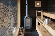 Печи для бани на дровах с баком: 60+ максимально функциональных и продуманных реализаций http://happymodern.ru/pechi-dlya-bani-na-drovax-s-bakom/ Дровяная печь с баком для воды в русской бане