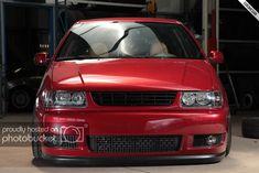 Afbeelding Vw Derby, Volkswagen Polo, Corvette, Cars And Motorcycles, Garage, Arquitetura, Automobile, Carport Garage, Corvettes