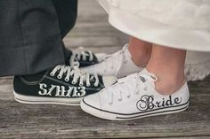 Scarpe da sposa converse bianche. Wedding white converse shoes. #wedding #wedding shoes