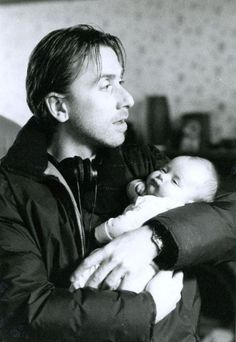tim holding our child haha Julia Ormond, Reservoir Dogs, Tim Roth, Love People, Beautiful People, Independent Films, Executive Producer, British Actors, Man Crush