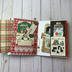 Christmas Journal, Christmas Scrapbook, Christmas Albums, Christmas Ideas, Xmas, Tea Stained Paper, Art Therapy Projects, Mini Album Tutorial, December Daily