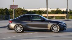 This BMW in Mineral Grey shows us a subtly refined copy of the compact sports coupe whose wheelhouses feature a modified suspension and larger wheels. 135i Coupe, Vossen Wheels, Bmw 2, Car Pictures, Car Pics, Bmw Cars, Looks Great, Photoshoot, Motors