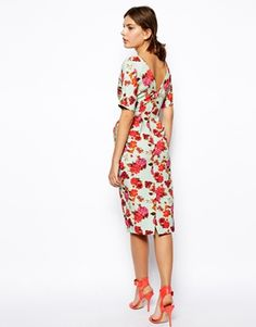 43984b840764 ASOS wiggle dress In textured pretty floral print with v back