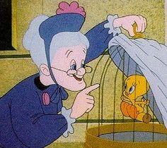 Granny & Tweety - Looney Tunes
