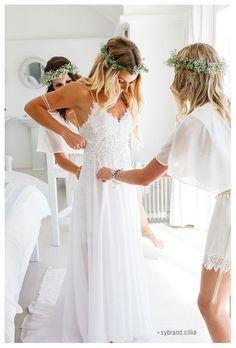 Beautiful Strandkombuis beach wedding, Yzerfontein, South Africa