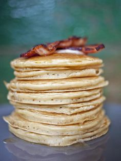 Easy Father's Day Recipes + Cocktails from Home & Garden Television!  Click here for this great Stout Pancakes recipe!