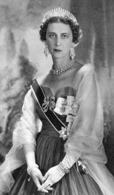 Princess Marina of Greece and Denmark, Duchess of Kent (1906 -1968) http://genealogics.org/photos/319.b.jpg