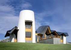 Welcoming Maggie's Cancer Caring Centre in Dundee, Scotland by Frank Gehry