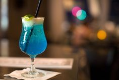 Woow! Sophisticated summer drink, perfect on a warm summer night at the beach bar with friends #indigo #perfectsummer