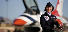 Famous Women Pilots | Air Force Thunderbird pilot Nicole Malachowski, the first woman to fly ...