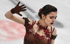 日本公演中のメドベージェワ ファンから脅迫状 - Sputnik 日本 Figure Ice Skates, Figure Skating, Russian Figure Skater, Javier Fernandez, Beautiful Athletes, Medvedeva, Skate Art, Ice Skaters, Anna Karenina