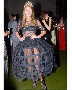 Milan Fashion, Fashion Show, Anna Dello Russo, Vogue Japan, Prom Dresses, Formal Dresses, Italian Fashion, Spring Summer Fashion, Russia
