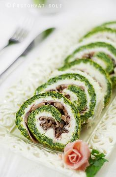 roll with spinach