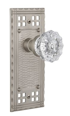 Features: -Craftsman collection. -Comes with plate. -Door handing: Non handed. -Made in the USA. -Knob material: Clear crystal. Country of Manufacture: -United States. Knob Function: -Dummy. S