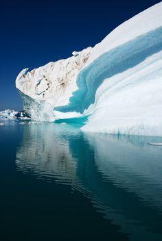 Love icebergs. Captivating.