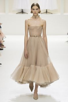 Neutral tan A line dresses at Christian Dior Fall 2018 Couture PFW