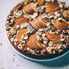 Flourless Chocolate Olive Oil Cake with Cardamom Pears and Hazelnuts Get the recipe for this 10 ingredient Flourless Chocolate Olive Oil Cake made with almond meal coconut sugar olive oil eggs pears and hazelnuts. Trifle Desserts, Great Desserts, Party Desserts, Healthy Desserts, Delicious Desserts, Dessert Recipes, Pear Recipes, Fudge Recipes, Almond Recipes