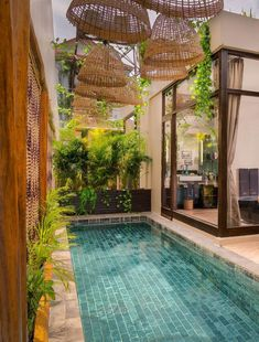 Backyard Pool Designs, Small Backyard Patio, Swimming Pools Backyard, Swimming Pool Designs, Pool Landscaping, Backyard Ideas, Lap Pools, Indoor Pools, Pool Decks