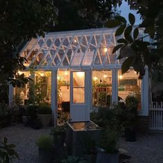 @runtminknut Terrace, Shed, Garden, Outdoor Decor, Inspiration, Home Decor, Balcony, Biblical Inspiration, Garten